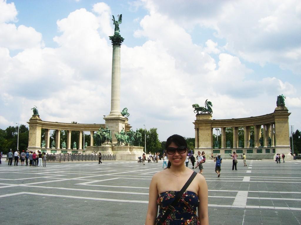 Adelina Wong - Budapest Heros Square