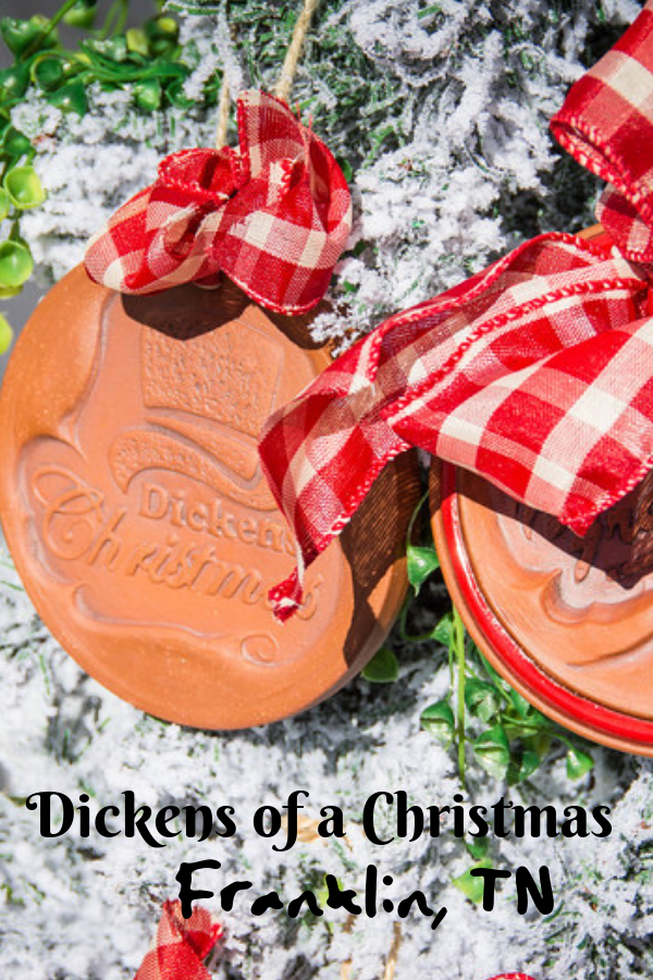 The annual Dickens of a Christmas festival in Franklin, Tennessee is the perfect opportunity for all the family to enjoy the holiday festivities while taking a whirlwind trip back in time to the Charles Dickens era. #Festival #CharlesDickensChristmas #ChristmasFestival #FranklinTN